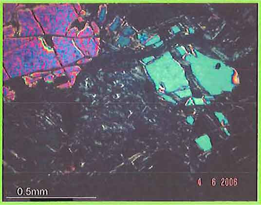 Olivine With Chrysotile Veinlets photomicrograph image