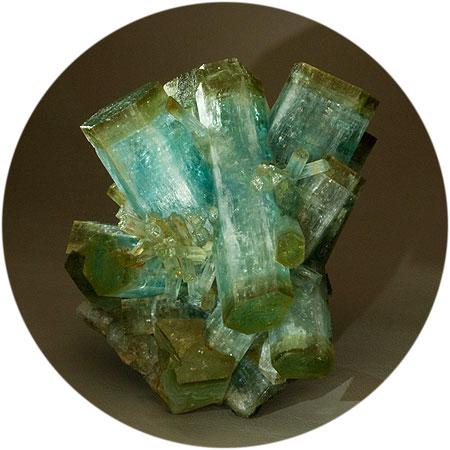 Heliodor-capped Aquamarine Cluster photo image
