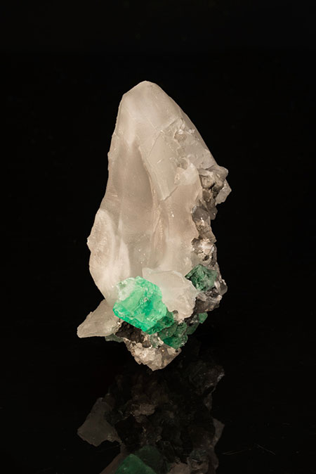 Emerald on Calcite photo image